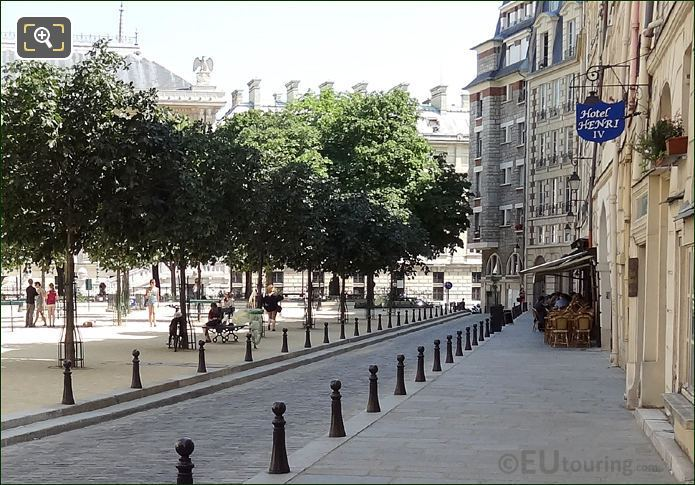Place Dauphine Hotel Henri IV
