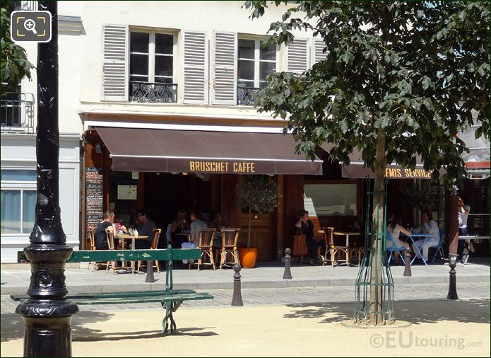 Place Dauphine Bruschet Cafe