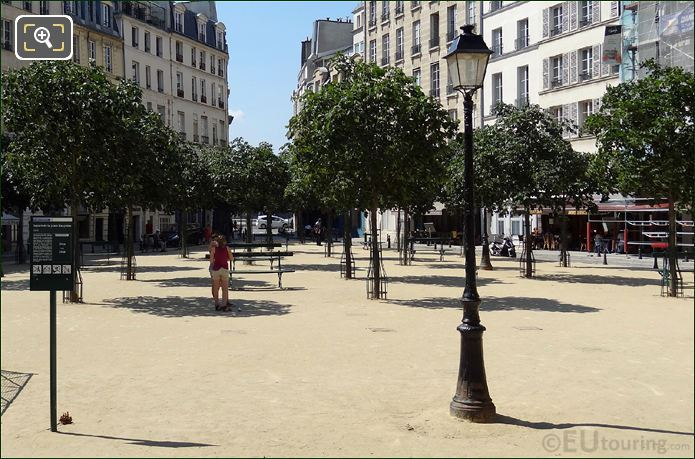 Place Dauphine Chestnut Trees