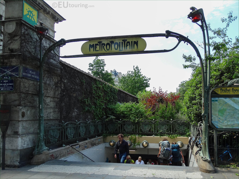 Denfert rochereau metro stop at place denfert rochereau - Station metro jardin du luxembourg ...
