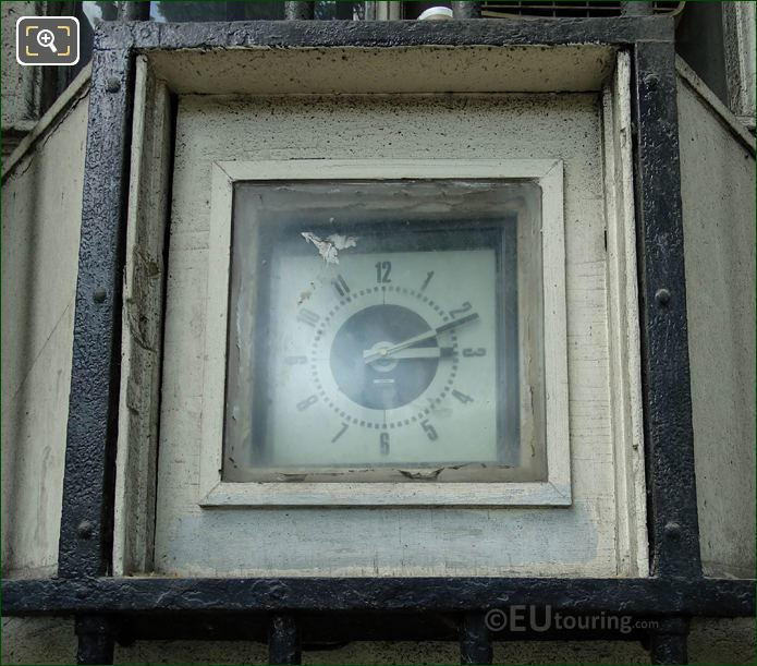 Clock On Western Barriere d'Enfer Building