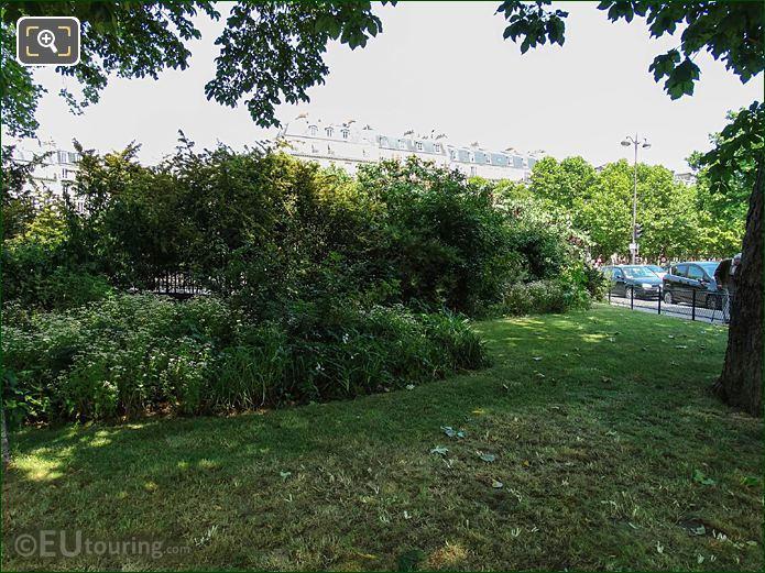 NW Corner Garden Square De l'Abbe Migne