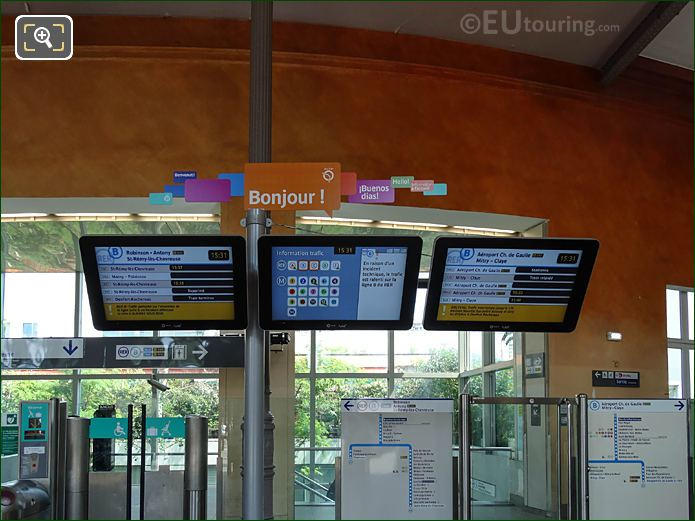 Electronic Boards Inside Gare Denfert-Rochereau