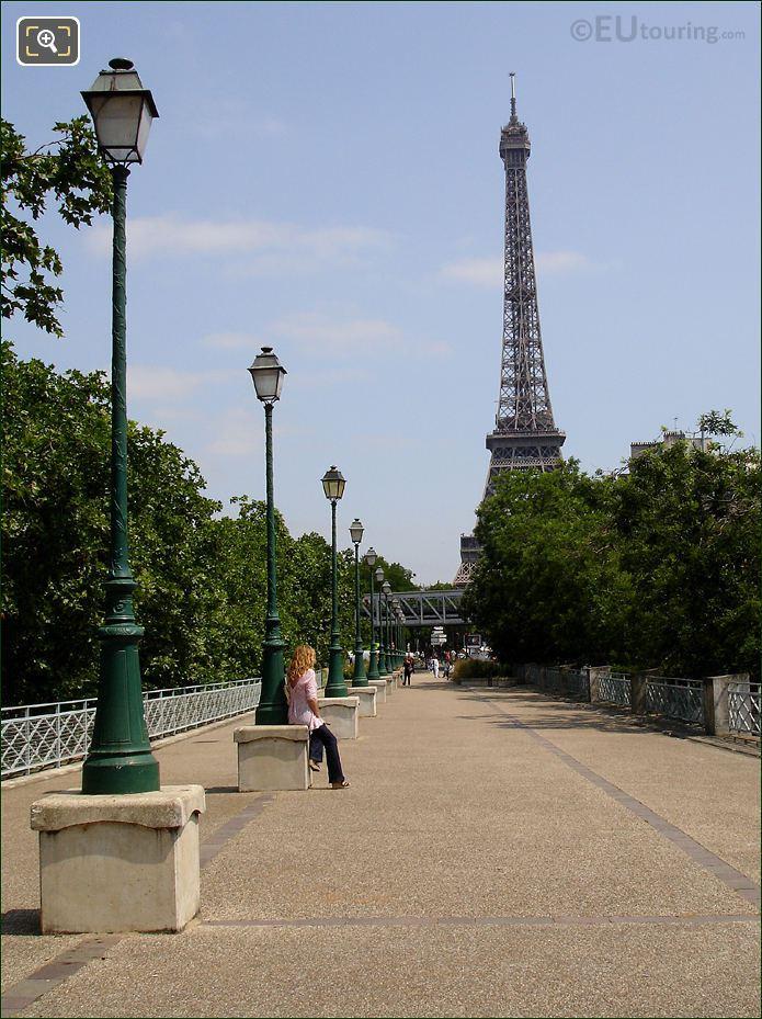 Place des Martyrs Juifs du Velodrome D'Hiver Promenade