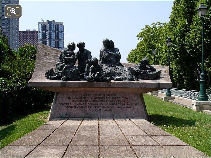 Monument In Place des Martyrs Juifs du Velodrome D'Hiver