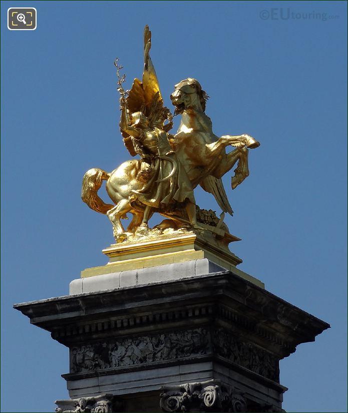 La Renommée de l'Agriculture Statue On Pont Alexandre III
