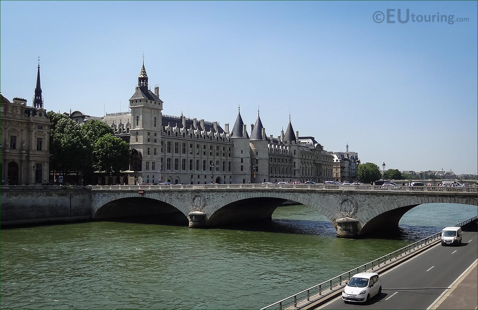 hd photographs of the pont au change in paris france. Black Bedroom Furniture Sets. Home Design Ideas
