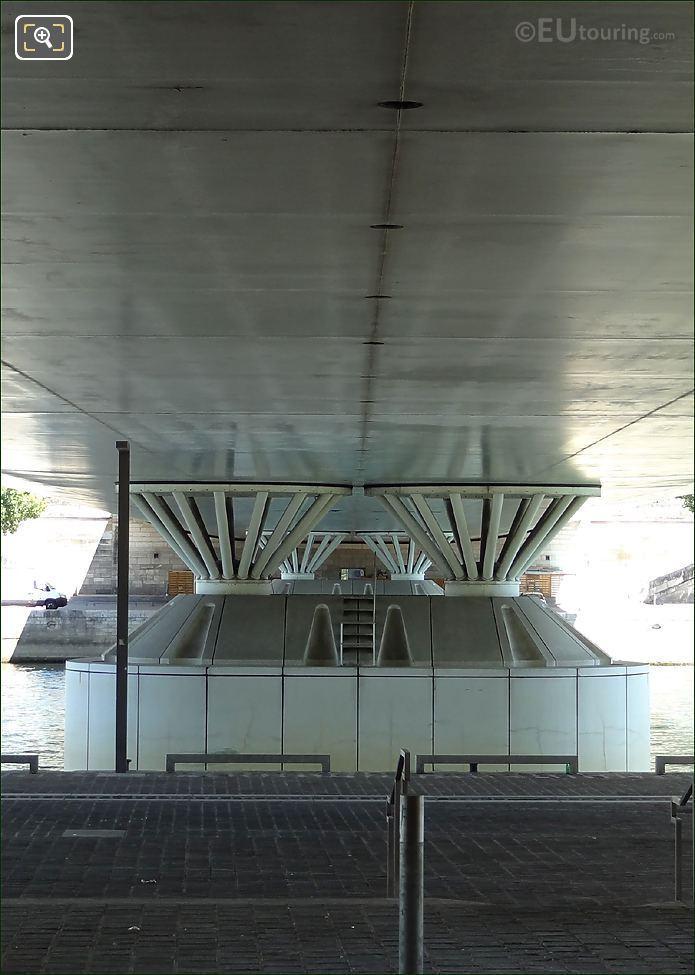 Pont Charles De Gaulle Piers