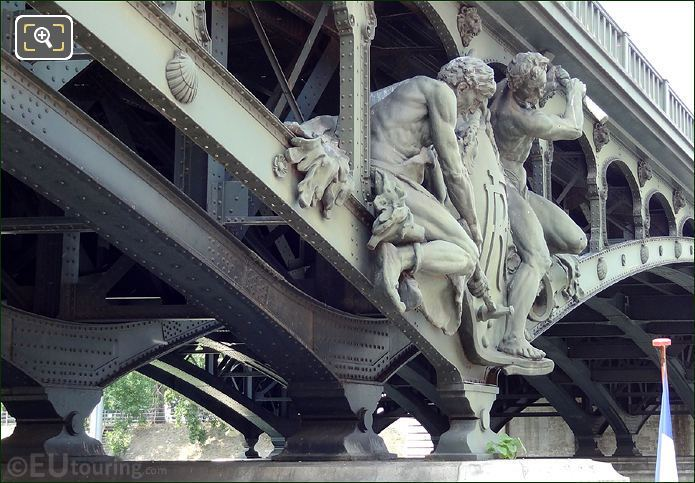 Iron Riveters Sculpture Bir-Hakeim North Side