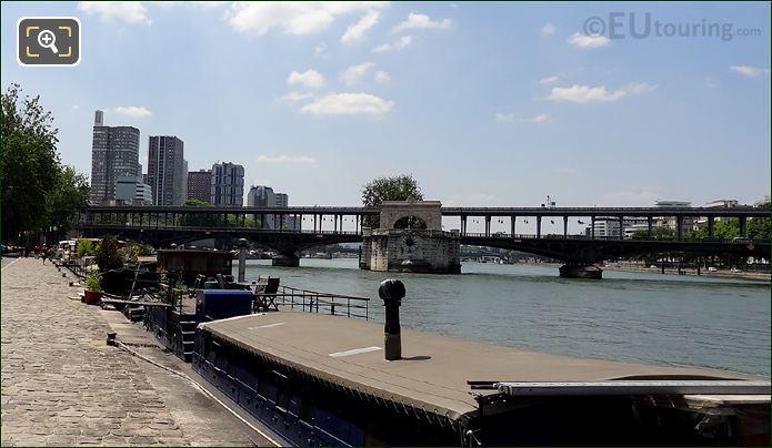 Pont de Bir-Hakeim Over The River Seine