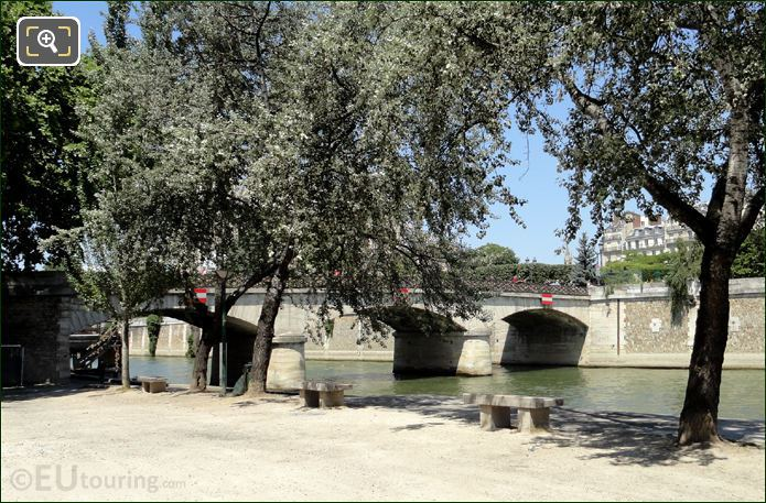 Photo Of Pont De L'Archeveche In Paris