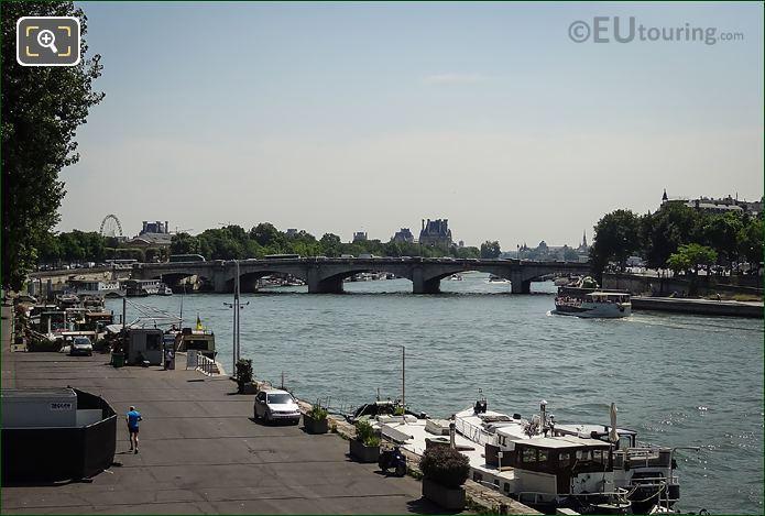 Pont De La Concorde Over The River Seine