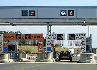 Car toll booths for French road