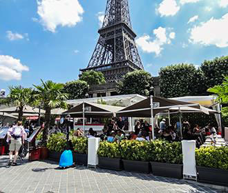 Food Stalls At The Eiffel Tower