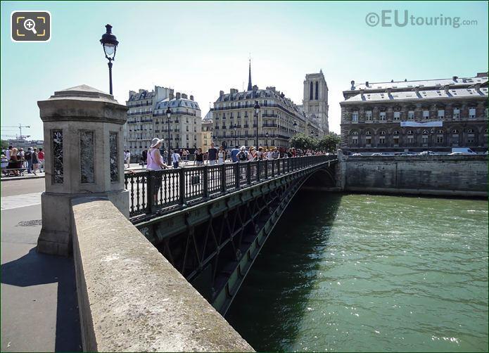 River Seine Quai De La Corse And Pont Notre Dame