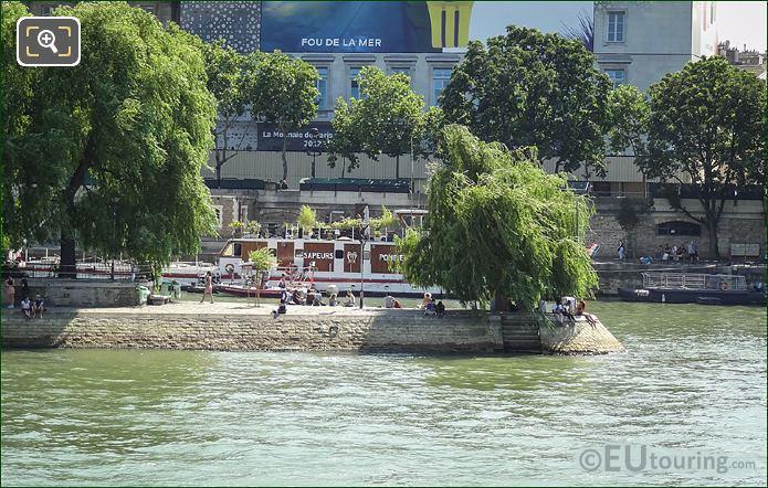 Sapeurs Pompiers Firemens River Boat Paris