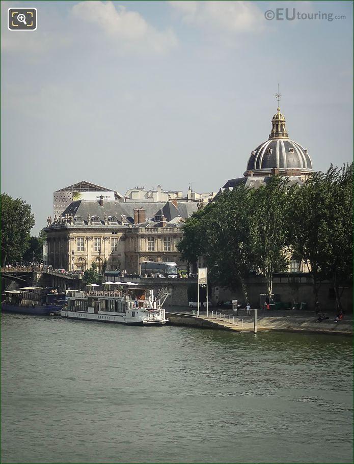 Balle Au Bond Restaurant On The River Seine