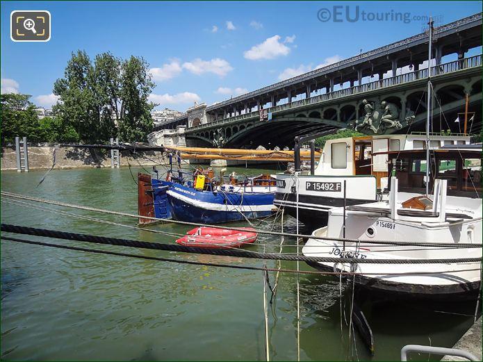 Vertrouwen-DZ Yacht On River Seine In Paris