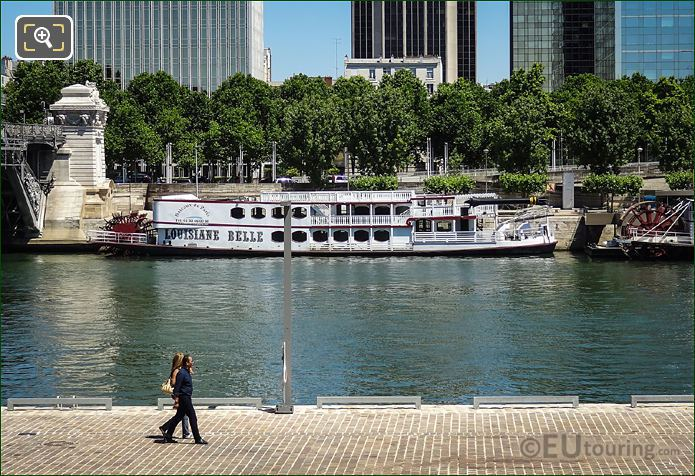 Louisiane Belle On The River Seine