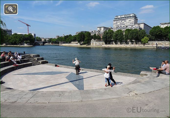 River Seine And Tango Dancers
