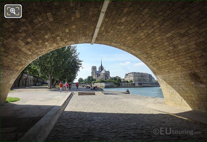 River Seine Through Pont De La Tournelle