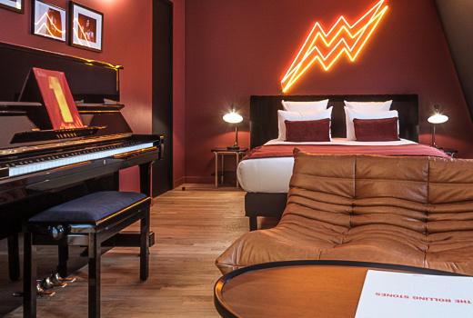 Seven Hotel Paris Suite Sublime Bedroom