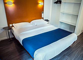 Solar Hotel Bedroom
