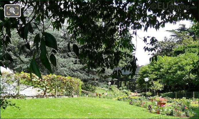 Square Bela Bartok Landscaped Gardens
