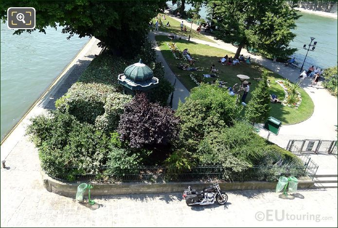 Photo Of Square Du Vert Galant