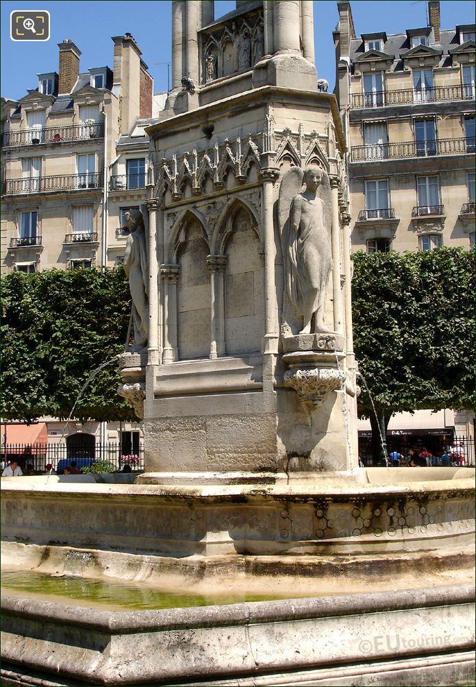 Square Jean XXIII In Paris