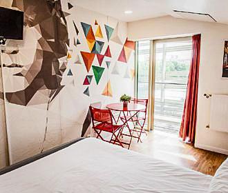 St Christophers Inn Canal Hostel Bedroom