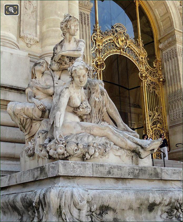 Statues at the Petit Palais