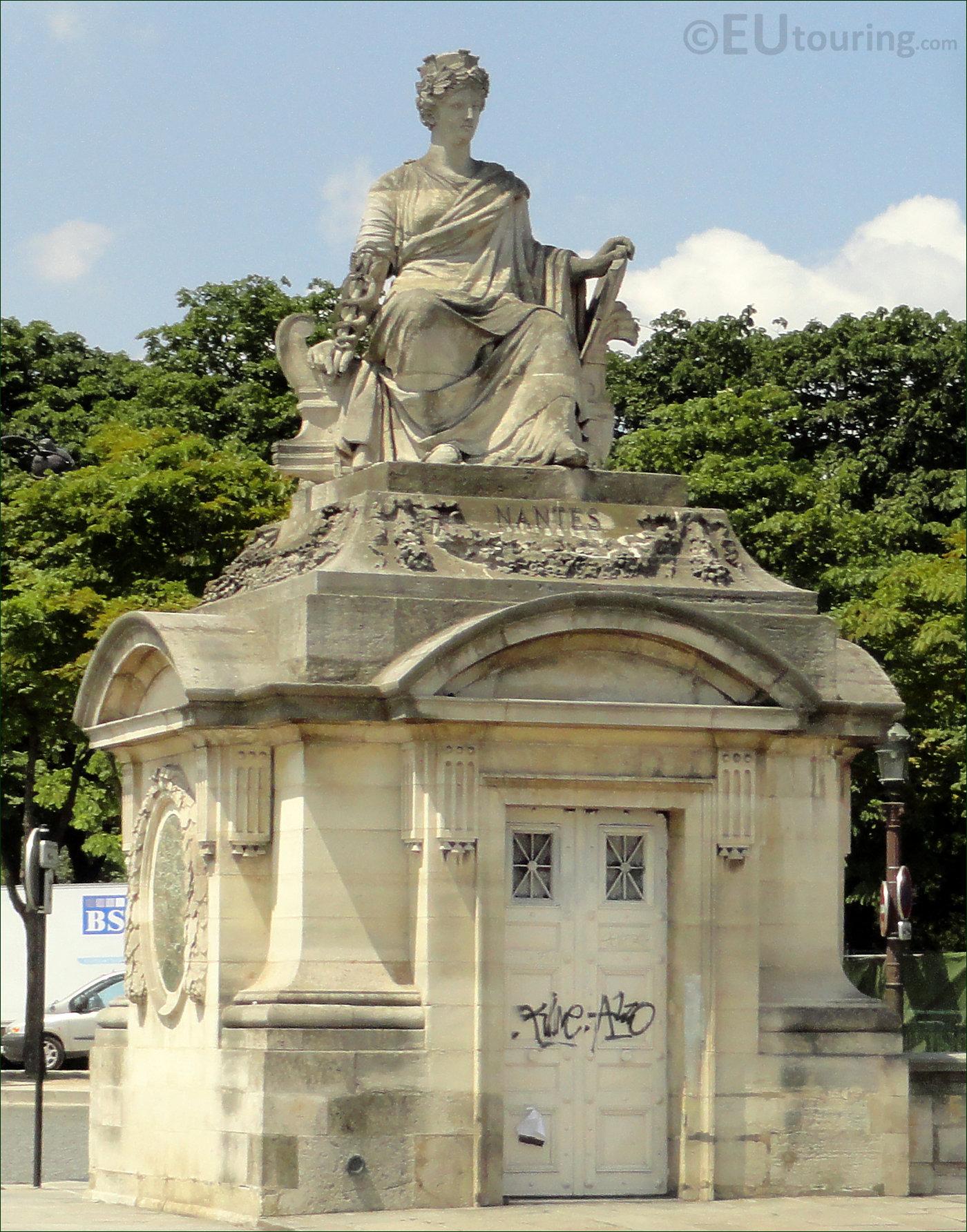 Photo Of City Of Nantes Statue At Place De La Concorde Paris - Page 36