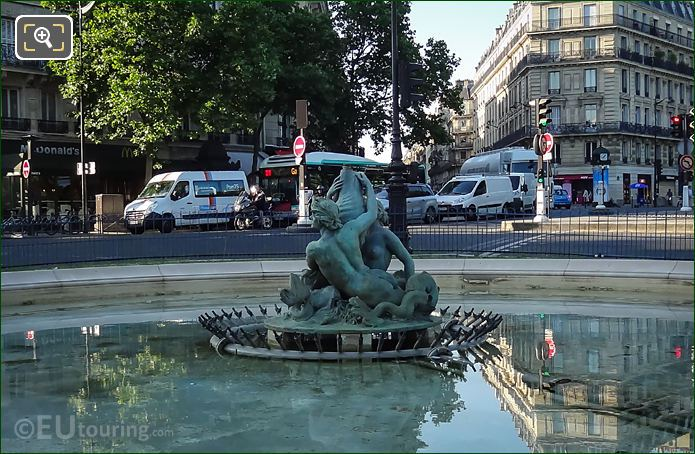 Fontaine Du Bassin Soufflot Statue At Place Edmond Rostand
