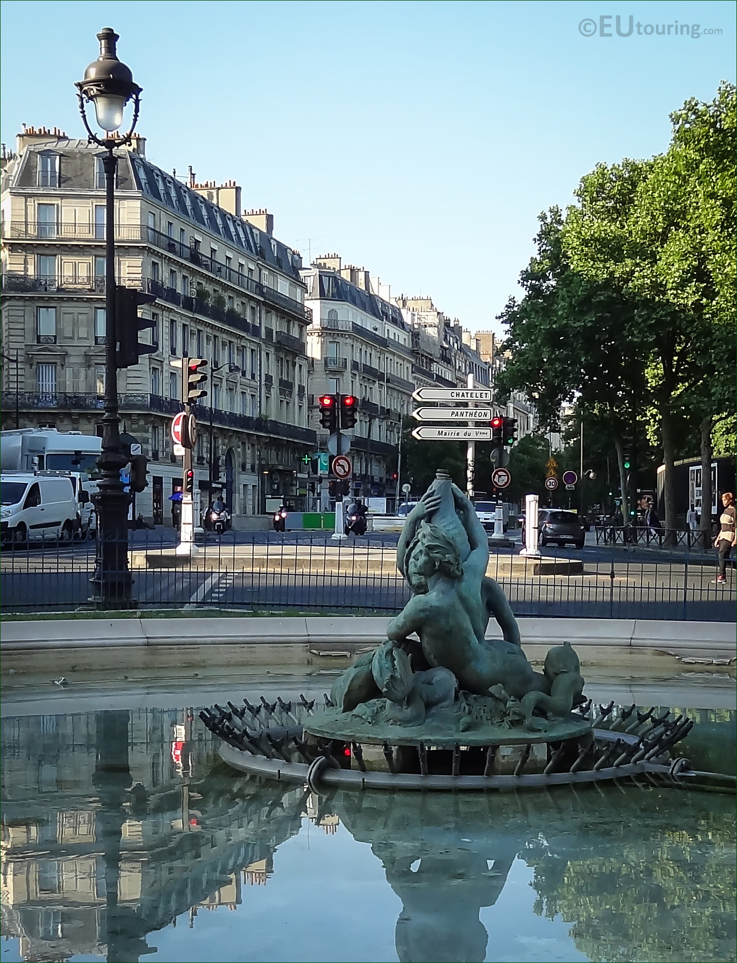 Fontaine du bassin soufflot statue at place edmond rostand for Fontaine bassin