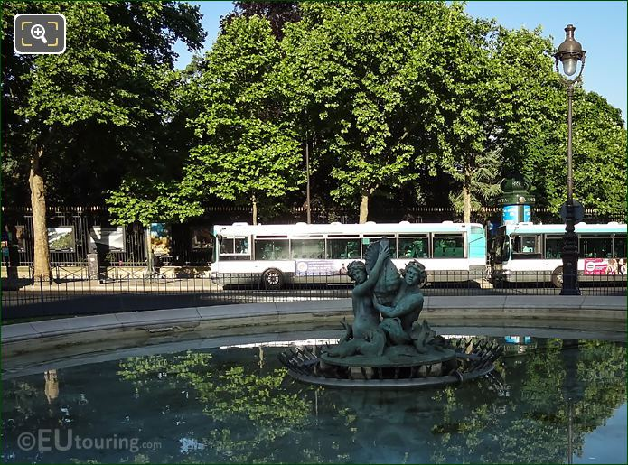 Fontaine Du Bassin Soufflot Statue Front View