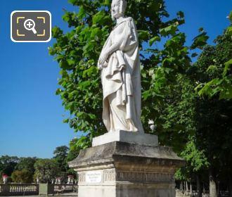 Statue Of Marguerite De Provence On Pedestal