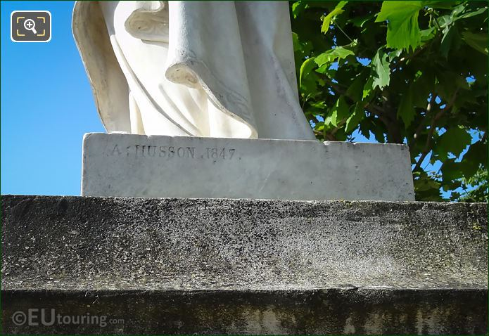 Name Inscription On Marguerite De Provence Statue