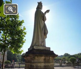 Statue Anne De Bretagne Side View