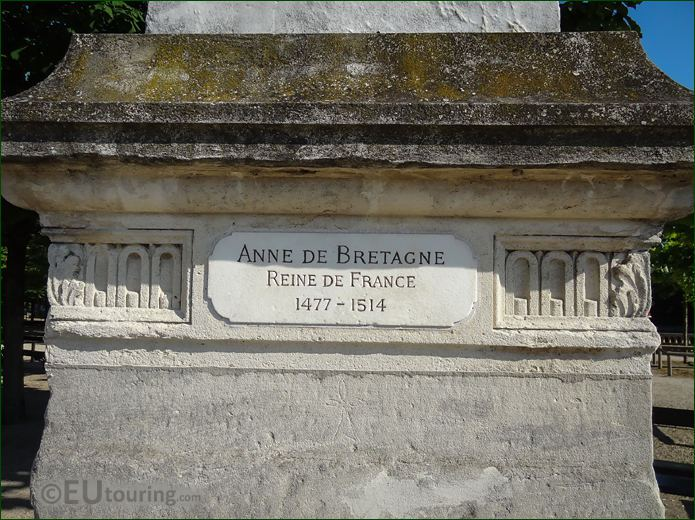 Plaque On Anne De Bretagne Statue