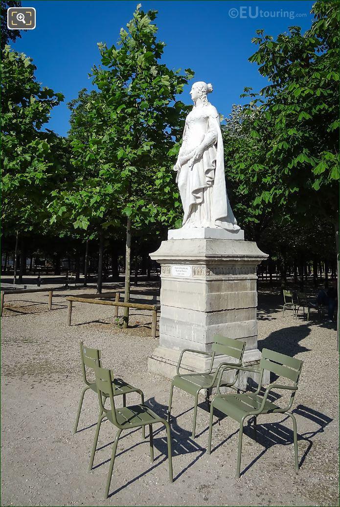 Queen Of France Anne d'Autriche Statue