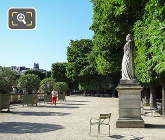Marguerite d'Angouleme Statue On Western Terrace