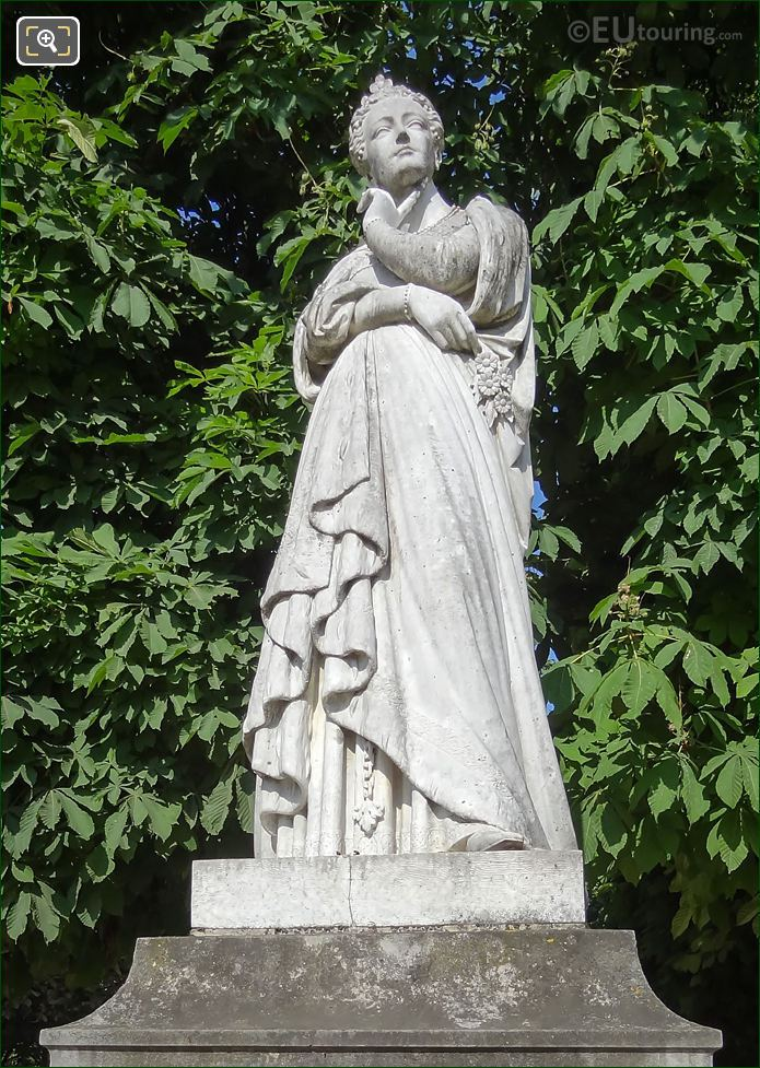 Statue Of Marguerite d'Angouleme By Joseph Stanislas Lescorne