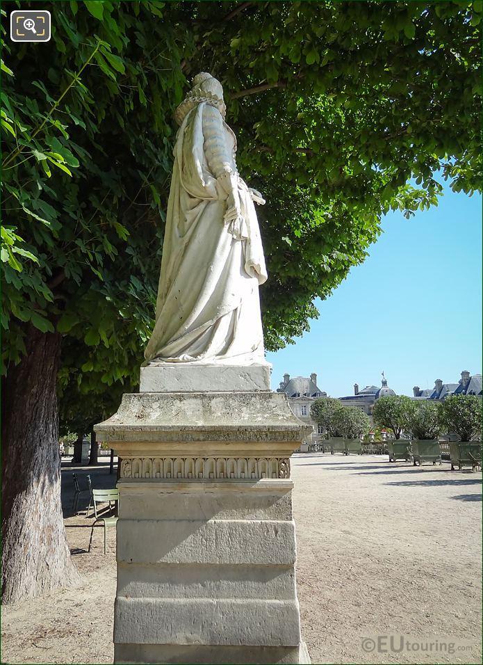 Marie De Medicis Statue Side View