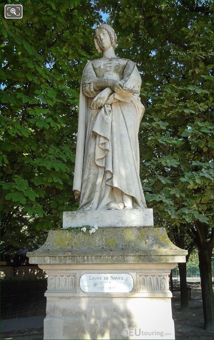 Laure De Noves Statue By Auguste Ottin