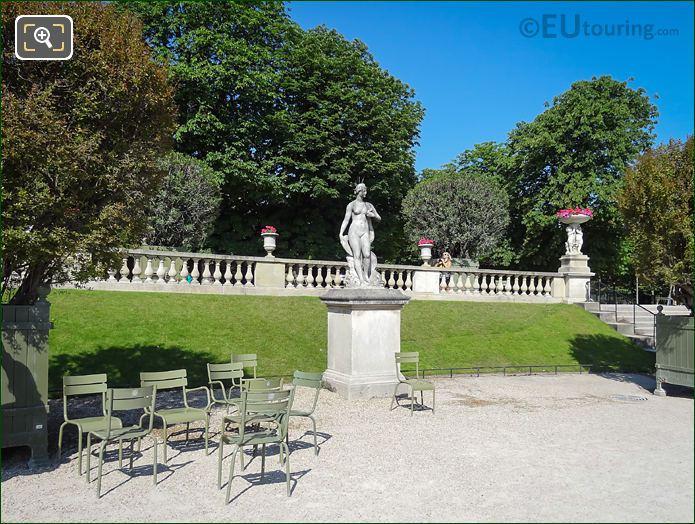 Marble Statue Venus Au Dauphin Luxembourg Gardens