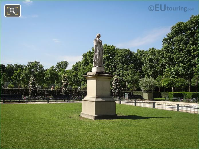 Luxembourg Gardens La Messagere Statue