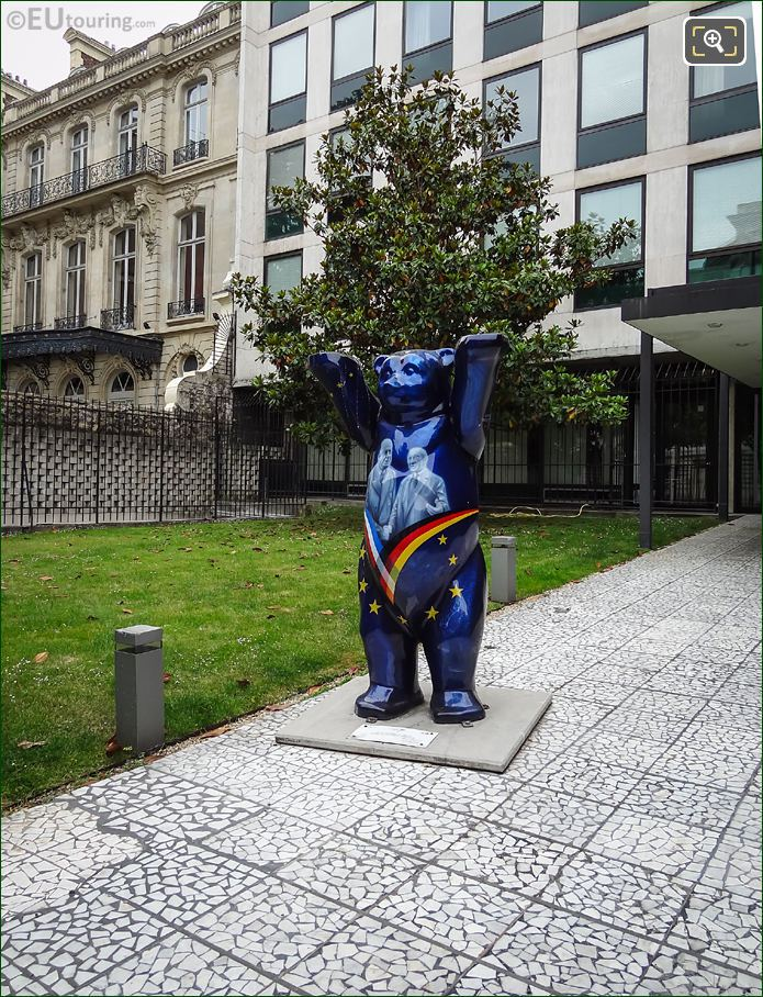 United Buddy Bear Recognition Of The Elysee Treaty