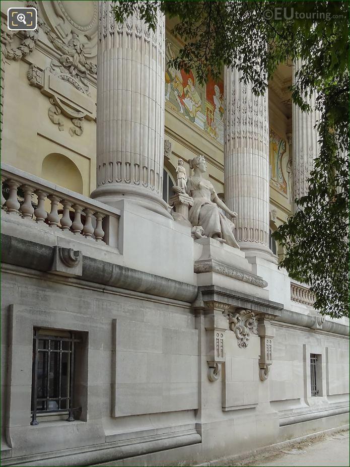 Grand Palais East Facade L'Art Grec Statue