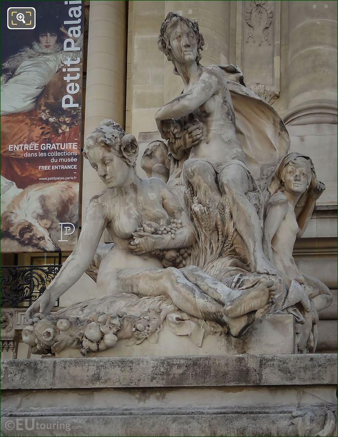 Petit Palais Statue Les Quatre Saisons